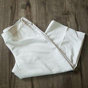 WHBM Legacy Crop Leg white pants